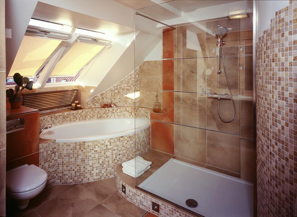 Дизайн ванных в мансардах